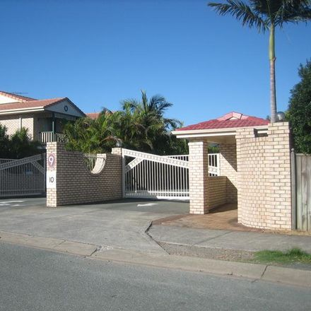 Rent this 3 bed townhouse on 9 Lawrence Close