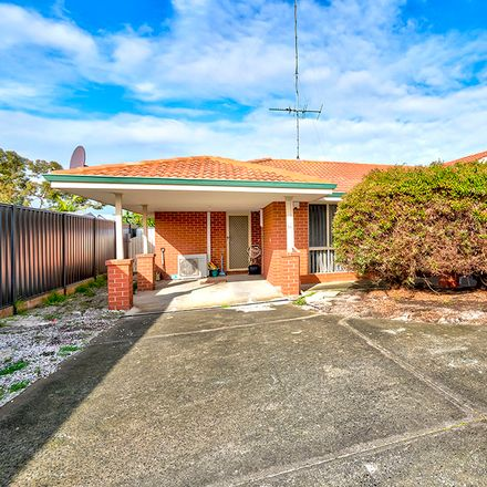 Rent this 4 bed apartment on 1/8 Holly  Way