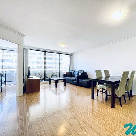 Rent this 2 bed apartment on St Leonards