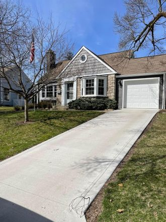 Rent this 3 bed house on 586 Walhalla Road in Columbus, OH 43202