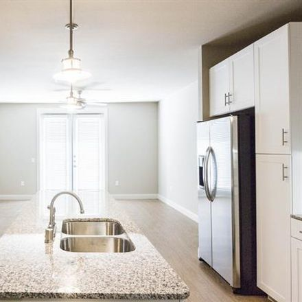 Rent this 1 bed apartment on 908 North Bishop Avenue in Dallas, TX