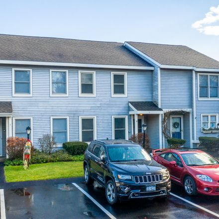 Rent this 2 bed condo on 5 Redcoat Court in Halfmoon, NY 12065