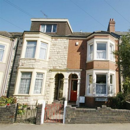 Rent this 1 bed room on Rugby Euromarket in 161-163 Murray Road, Rugby CV21 3JR