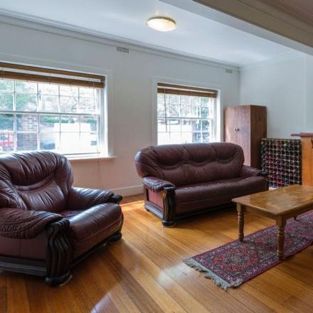 Rent this 3 bed house on 3/396 Toorak Road