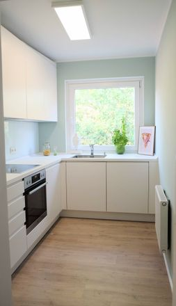 Rent this 4 bed apartment on Weberade 1 in 21031 Hamburg, Germany
