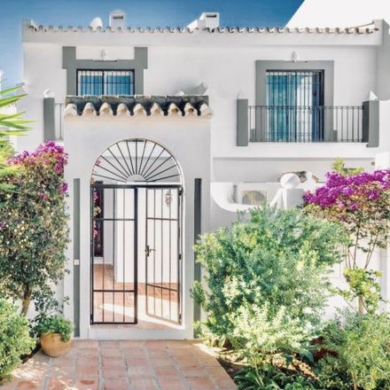 Rent this 2 bed house on Avenida Norte in 29660 Marbella, Spain