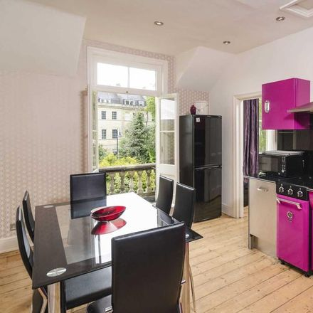 Rent this 3 bed apartment on Grove Lodge in London Road, Bath BA1 6BJ