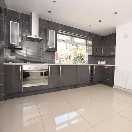 Rent this 3 bed house on Gordon View in Leeds LS6 4AY, United Kingdom