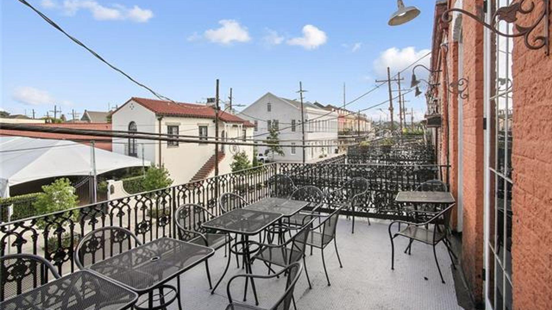 Apartment at 1910 Magazine Street, New Orleans, LA 70118 ...