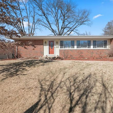Rent this 3 bed house on 1565 Horseshoe Drive in Florissant, MO 63033