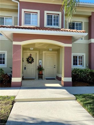 Rent this 2 bed loft on Brook Dr in Naples, FL