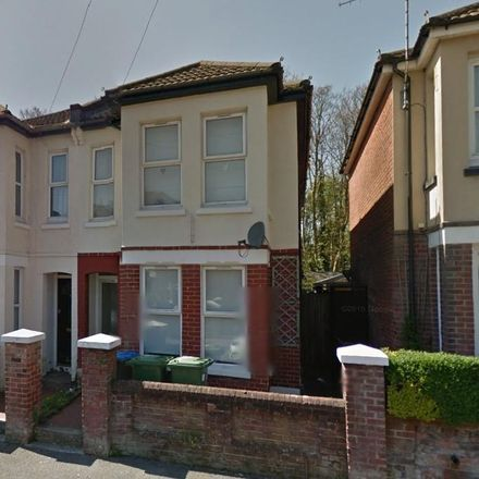 Rent this 6 bed house on 40 Burlington Road in Southampton SO15 2FN, United Kingdom