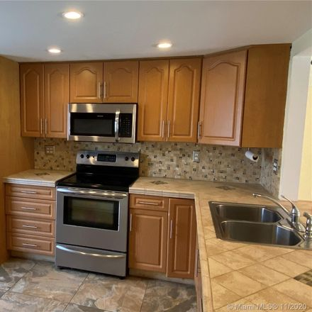 Rent this 3 bed condo on 3912 Southwest 67th Terrace in Davie, FL 33314