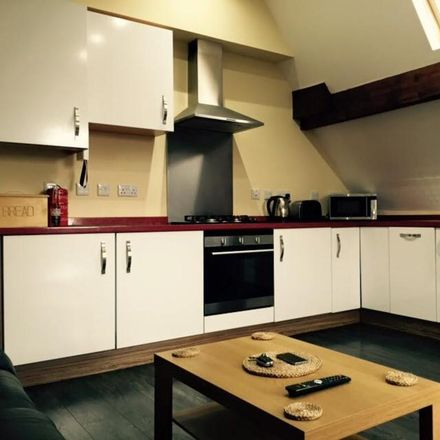 Rent this 3 bed room on Church of the Sacred Heart in Linthorpe Road, Middlesbrough TS5 6JN