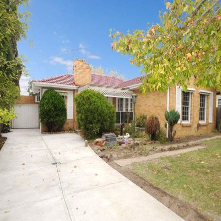 Rent this 3 bed house on 58 Millewa Avenue