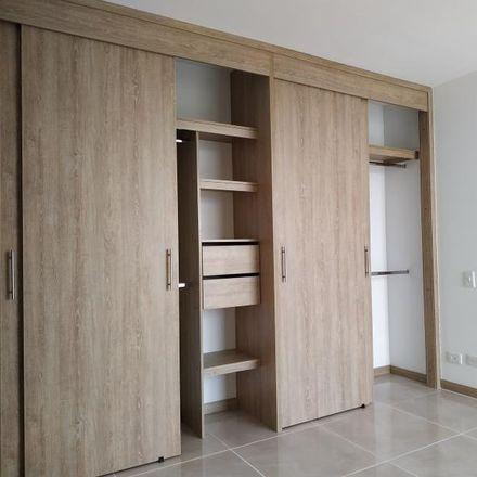 Rent this 3 bed apartment on Parada MIO - Avenida 3EN entre Calle 59N y 62N in Avenida 3E Norte, Comuna 2