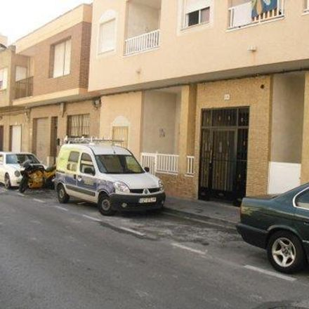 Rent this 2 bed apartment on Calle San Julián in 01380 Torrevieja, Spain