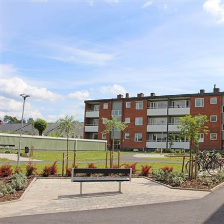 Rent this 3 bed apartment on Kyrkogatan in 574 31 Vetlanda, Sweden