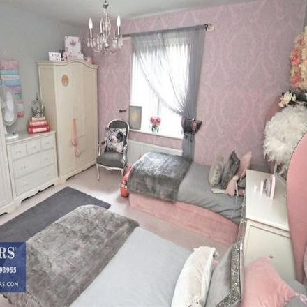 Rent this 4 bed house on Leeds in West Yorkshire, England