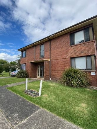 Rent this 2 bed house on 3/53 Turton Road