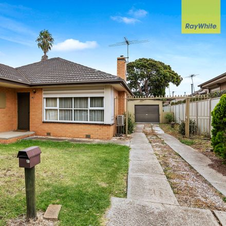 Rent this 3 bed house on 47 Millawa Avenue