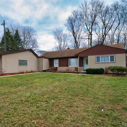 Rent this 3 bed house on Evergreen Road in Southfield, MI 48076