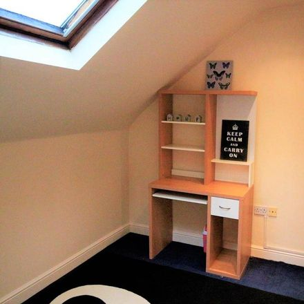 Rent this 1 bed room on Wetherby Grove in Leeds LS4 2JH, United Kingdom