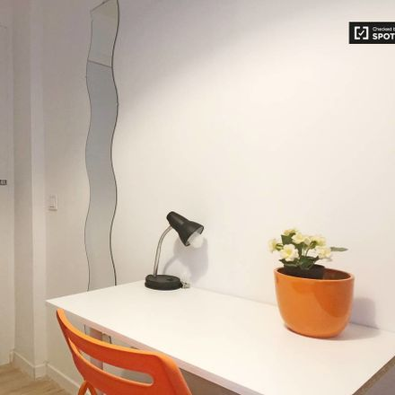 Rent this 7 bed room on Paseo Perales in 28011 Madrid, España