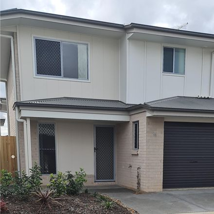 Rent this 3 bed townhouse on 81/8 Casey Street