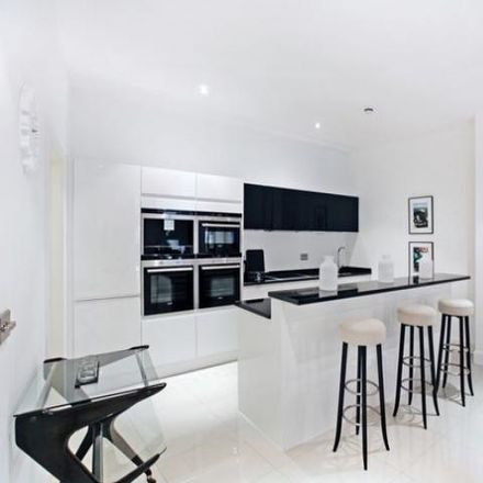 Rent this 2 bed apartment on Meridian Court in 38 Bermondsey Wall West, London SE16 4TW