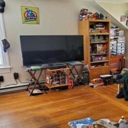Rent this 5 bed house on 386 Farmington Avenue in Cranston, RI 02920