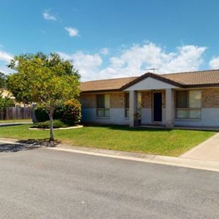 Rent this 4 bed house on 6/114-116 Del Rosso Road