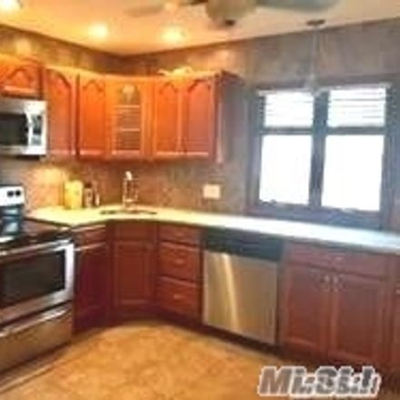 Rent this 3 bed house on 14 Long Lane in Levittown, NY 11756