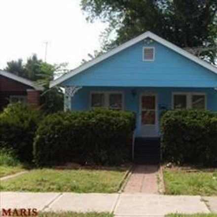 Rent this 2 bed house on 6316 Laura Avenue in St. Louis, MO 63136