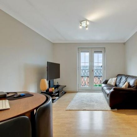 Rent this 2 bed apartment on London NW7 1HQ