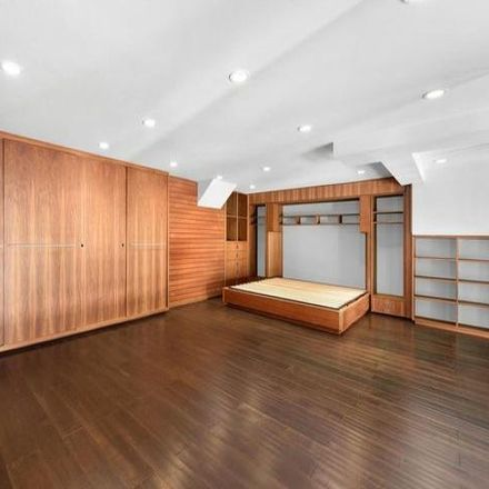 Rent this 3 bed condo on 91 Franklin Street in New York, NY 10013