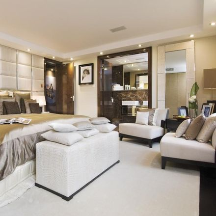 Rent this 6 bed apartment on Wellington Court in 116 Knightsbridge, London SW1X 7PA