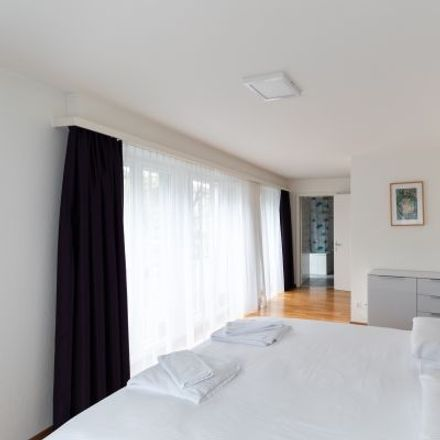 Rent this 3 bed apartment on Dahliastrasse 16 in 8008 Zurich, Switzerland