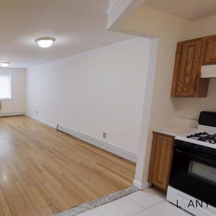 Rent this 3 bed apartment on 650 East 189th Street in New York, NY 10458