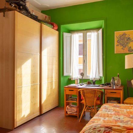 Rent this 3 bed room on Tuodì in Via Buonarroti, 37