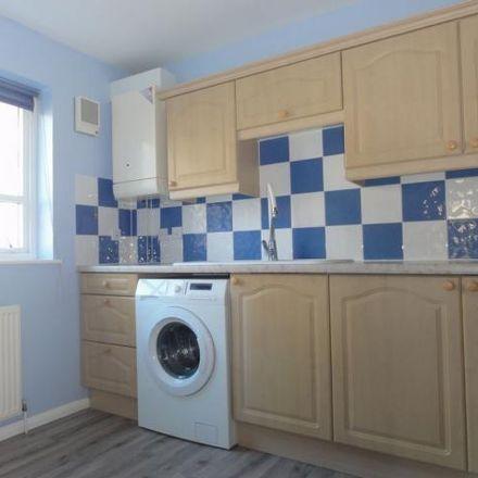 Rent this 3 bed apartment on 86 McDonald Road in City of Edinburgh EH7 4NQ, United Kingdom