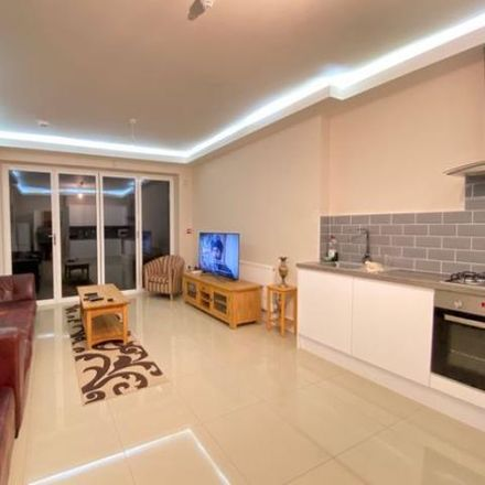 Rent this 1 bed room on Park Avenue North in London NW10 1HU, United Kingdom