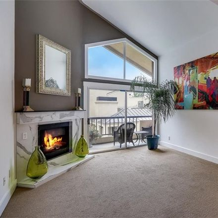 Rent this 2 bed condo on 5540 Owensmouth Avenue in Los Angeles, CA 91367
