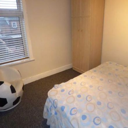 Rent this 2 bed house on The Manor Centre in Chase Street, Luton LU1 3ED