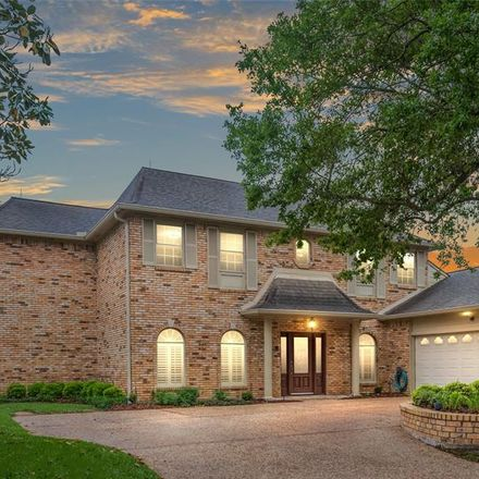 Rent this 4 bed house on 1722 Country Club Boulevard in Sugar Land, TX 77478