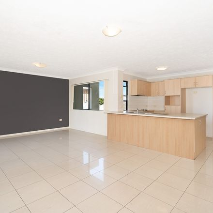 Rent this 2 bed apartment on 4/415 Sandgate Road