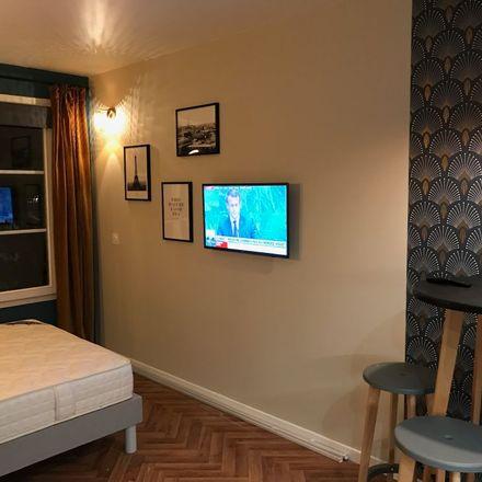 Rent this 1 bed apartment on 48 Avenue de l'Arche in 92400 Courbevoie, France