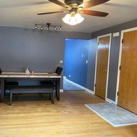Rent this 2 bed condo on Beat 2512 in 7001-7003 West Medill Avenue, Chicago