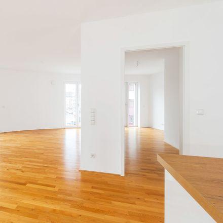 Rent this 3 bed apartment on Stadtterrassen 1 in Neuenstraße, 28195 Bremen