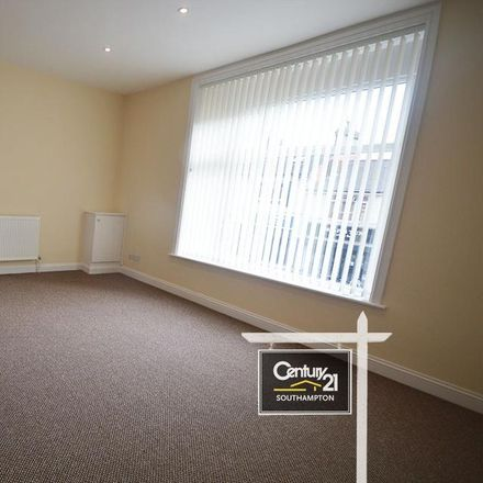Rent this 2 bed apartment on NatWest in Portsmouth Road, Southampton SO19 9AA